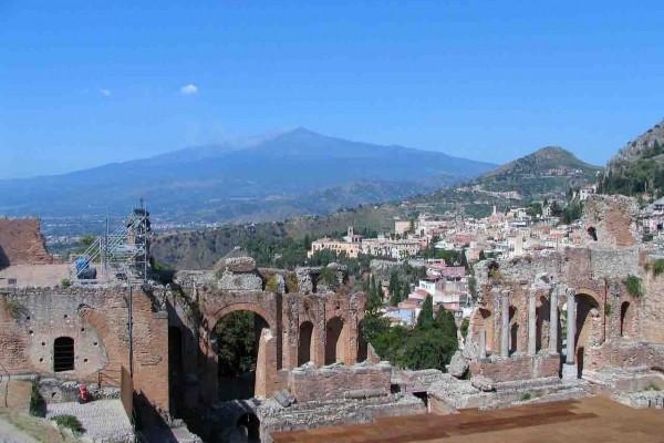 Südseite Des Ätna Und Taormina