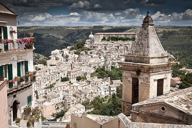 Kissed Streets Of Val Di Noto And The Baroque